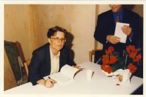 Signature parution UN chagrin politique mai 1996
